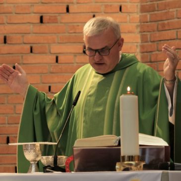 Nya bestämmelser angående den heliga mässan firande